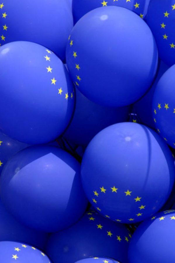 Blue baloons with EU flag